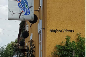 20180713-bid-plants.jpg - The Bidford 2019 Banners