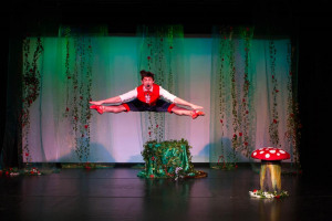 teddy-1.jpg - Touring dance productions for schools