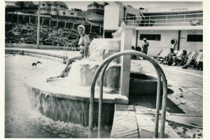 lady-at-lido.jpg - Poolside @ Saltdean Lido