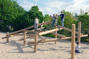 timberplay-example-3.jpg - Revivify Manor Park! Our New Playground