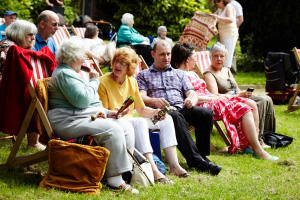 BigLunch_01Jun2014_WythenshaweHall 12.jpg - A Case of History for Wythenshawe Hall