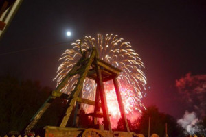 blists-fireworks-2011-570x377.jpg - Ironbridge lights
