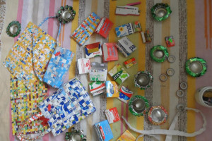 921537-593434687347686-2098296586-o.jpg - Litter-free Home with Creative-Recycling
