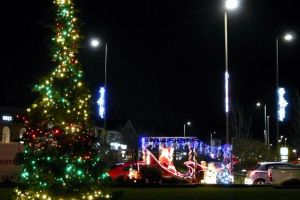 hadleigh-christmas-lights-2-nd-dec-2017-9-jpg.jpg - Improve appearance of our Hadleigh Essex