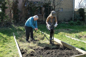 sylvia-and-walter-4.jpg - Isleworth Community Allotment
