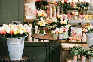 french-florist-in-paris.jpg - The Flower Bank Hub