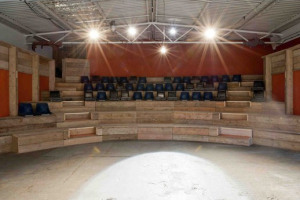 The-Yard-main-space.jpg - The Yard Theatre