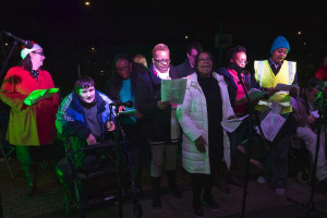 bcs-071215-69.jpg - Carols on the Green Bellingham 2016