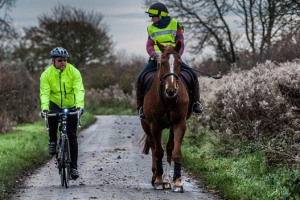 horse-bicycle-riders-header.jpg - Lôn Las Môn - Multiuse Path & Greenway