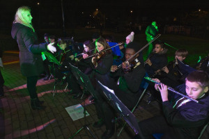 bcs-071215-74.jpg - Carols on the Green Bellingham 2016