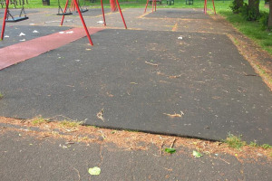 swings-2.jpg - Ashburton Park Playground