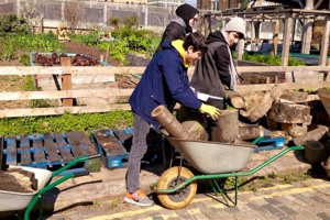 volunteers-5.jpg - Community Herb Garden