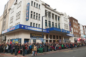 fosht-flashmob-25-nov-18-corner-4819-small.jpg - Save Streatham Hill Theatre: Phase 1