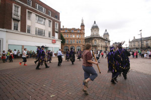 day-of-dance-hull-2015-1007-audience-joining-in.jpg - Hull Day of Traditional Dance