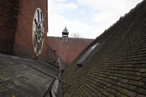 wheel-window-above-sunday-school-roof.jpg - Union Chapel - Sunday School Stories