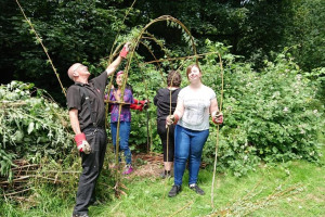 ei-willow-arch.jpg - Help Dartford's Nature & Mental Health!