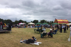 party-on-our-park.jpg - Revivify Manor Park! Phase 1