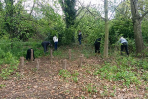 scrub-bashing.jpg - Help Dartford's Nature & Mental Health!