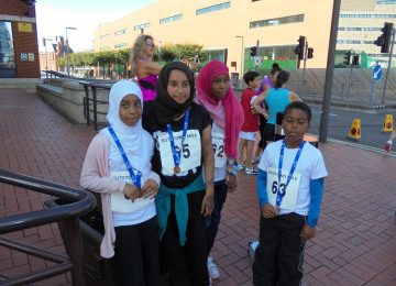 Butetown Mile girls.jpg