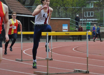 hurdletooting.jpg