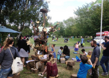 15-6-june-6-th-img-0704-trees-on-the-green-hilly-fieldsd-brockley-max-festival-tree-saturday-6-th-june-2015.jpg