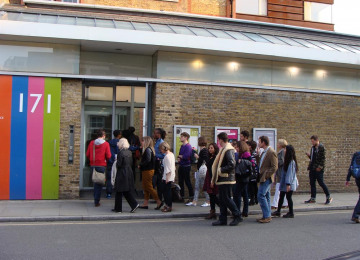 slam-bankside-tour-may-2013-entering-jerwood-space.jpg
