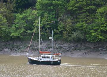 boat-on-avon.jpg