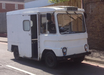 new-milk-float-1.jpg
