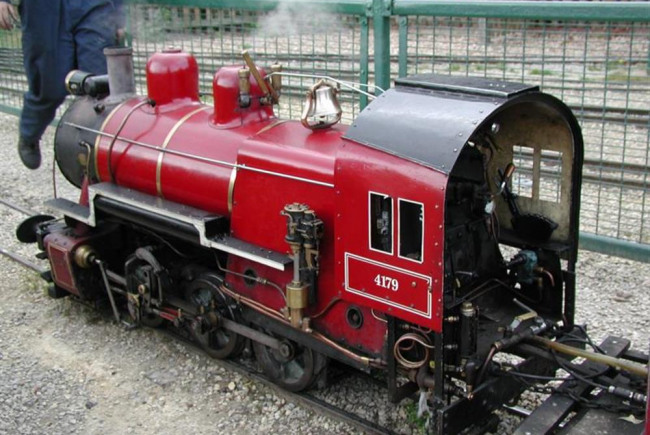 Restore steam trains to Cassiobury Park
