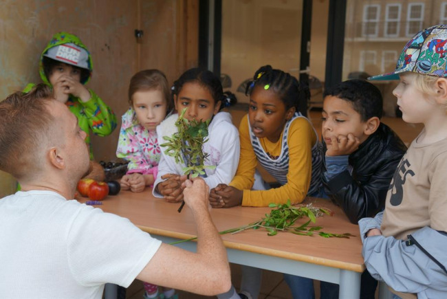 Nourishing communities (food growing)